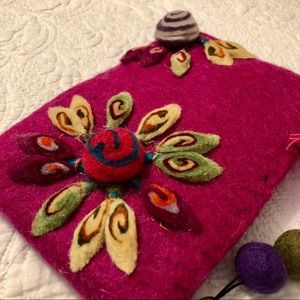 "Wool Bag Handmade in Nepal 5""x8"" Flower Embroidery"